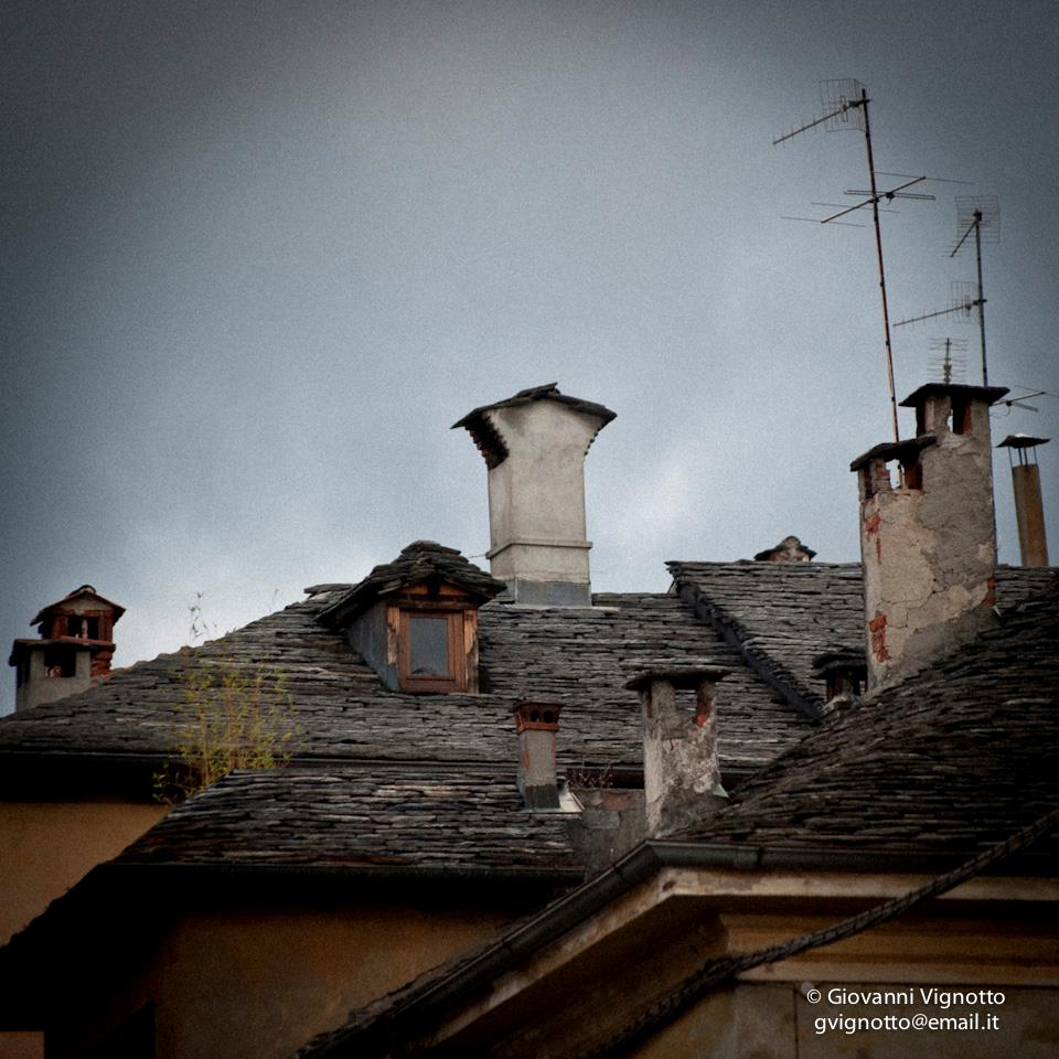 Stone roofs - Orta San Giulio - Photo with permission and courtesy of Giovanni Vignotto 2012